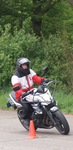Praktijkles op de motor, motorrijbewijs a a1 a2